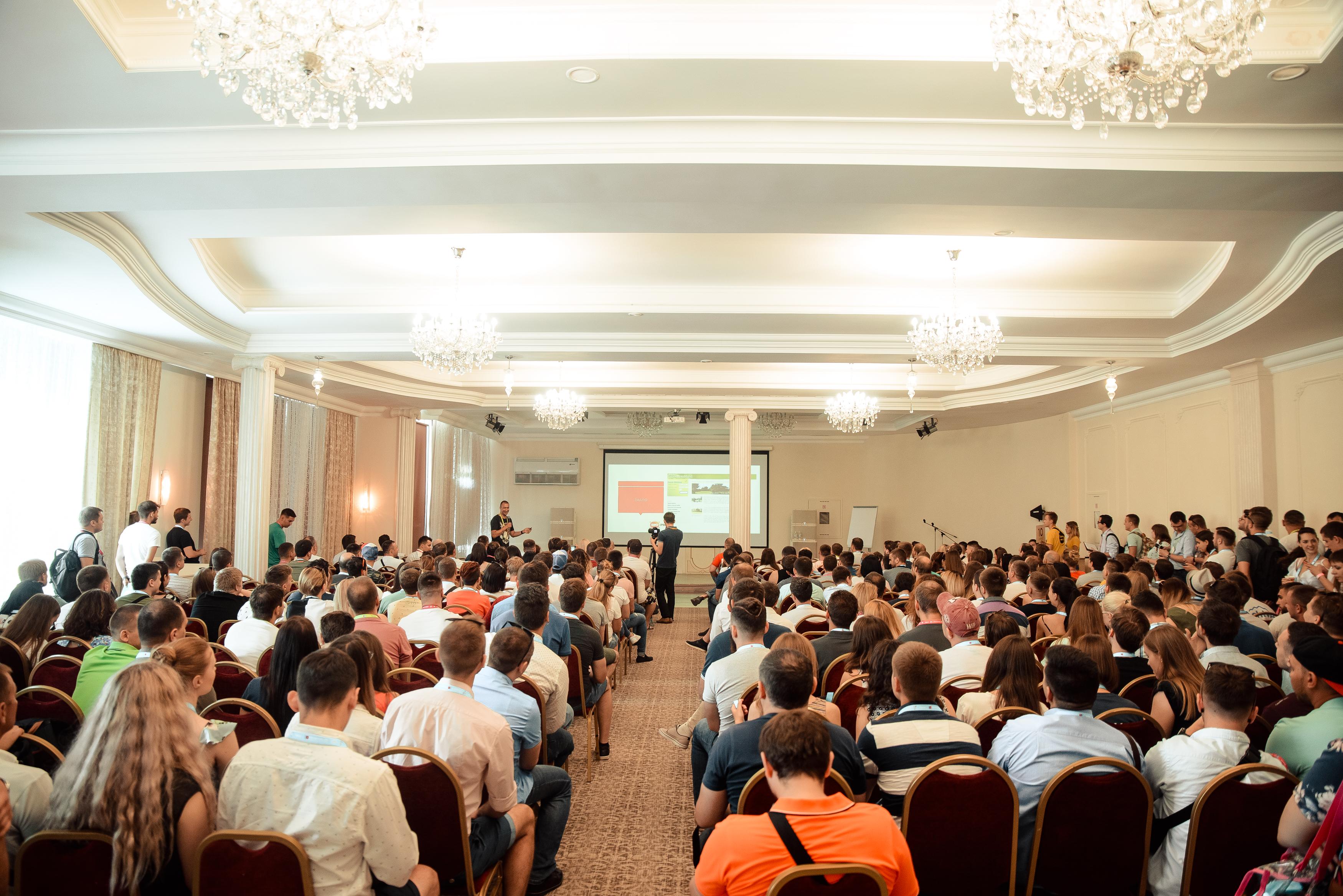 Доклад на конференции 8P 2018 - Виктор Карпенко - SeoProfy